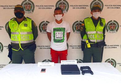 Este venezolano realizaba trabajos de albañilería en una vivienda del barrio San Rafael y fue sorprendido robando elementos tecnológicos