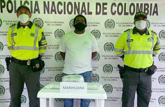 <strong>Venezolano es capturado con 4 kilos de marihuana al interior de un bus de servicio Publico</strong>